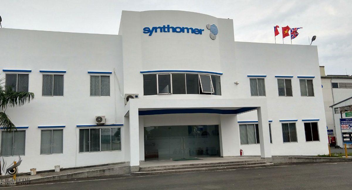 Tập đoàn các công ty Synthomer là một phần của tập đoàn Yule Catto. Synthomer là nhà cung cấp đẳng cấp về các loại polymer tổng hợp cho các ngành công nghiệp như sơn, keo, dệt, giấy chuyên dụng và nhựa.
