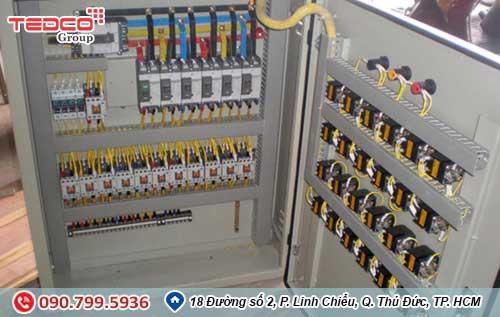 tủ điều khiển động cơ điện